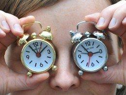 Можно ли спать в контактных линзах? - linza.com.ua