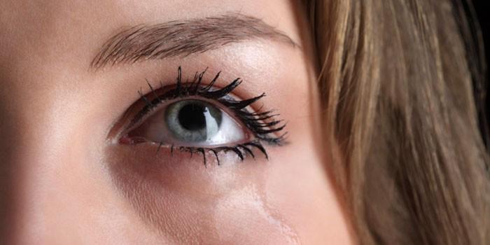 Что делать если линзы натирают глаза - linza.com.ua